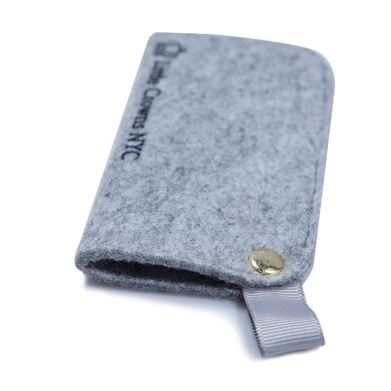 Small felt bag for power bank packaging with small handle and button close-2